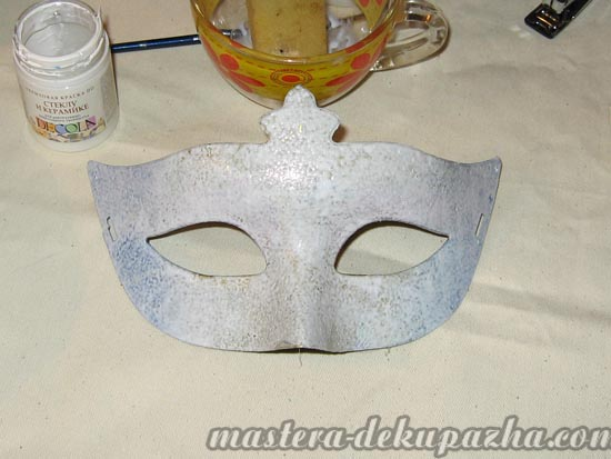 Декупаж маски к новому году 3