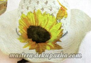 Декупаж летней шляпы цветочным узором 18