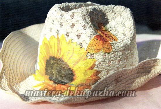 Декупаж летней шляпы цветочным узором 20