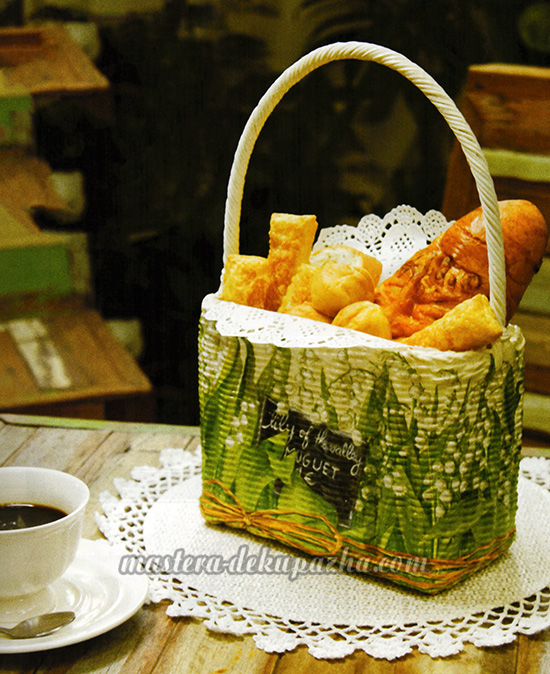 Декупаж плетеной сумки-корзинки 1