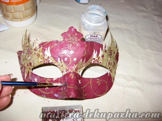 Декупаж маски к новому году 17