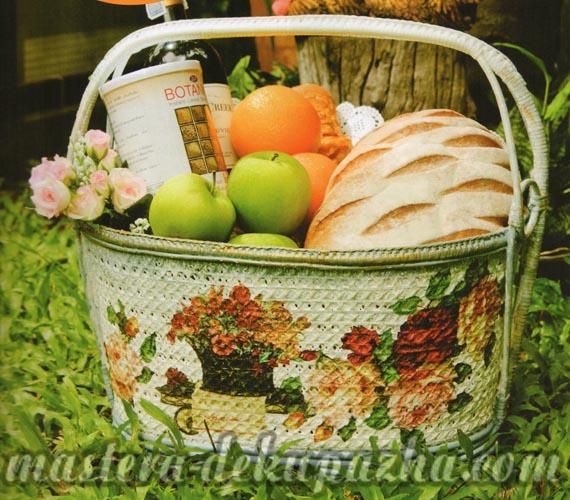 Декупаж плетеной корзины 17