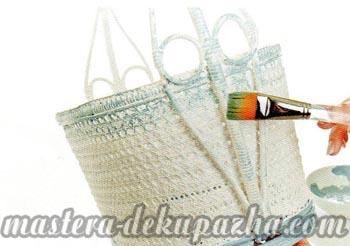 Декупаж плетеной корзины 4