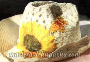 Декупаж летней шляпы цветочным узором 19