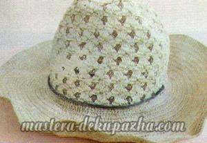 Декупаж летней шляпы цветочным узором 3